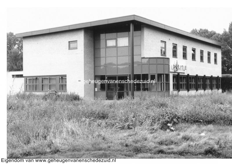 1992 Nieuw wijkbureau Politie in Enschede Zuid bron Wijkraad Wesselerbrink (4).jpg