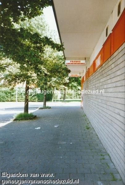 1995, buitenkant Plusmarkt, bron W.F. Franke (3).jpg