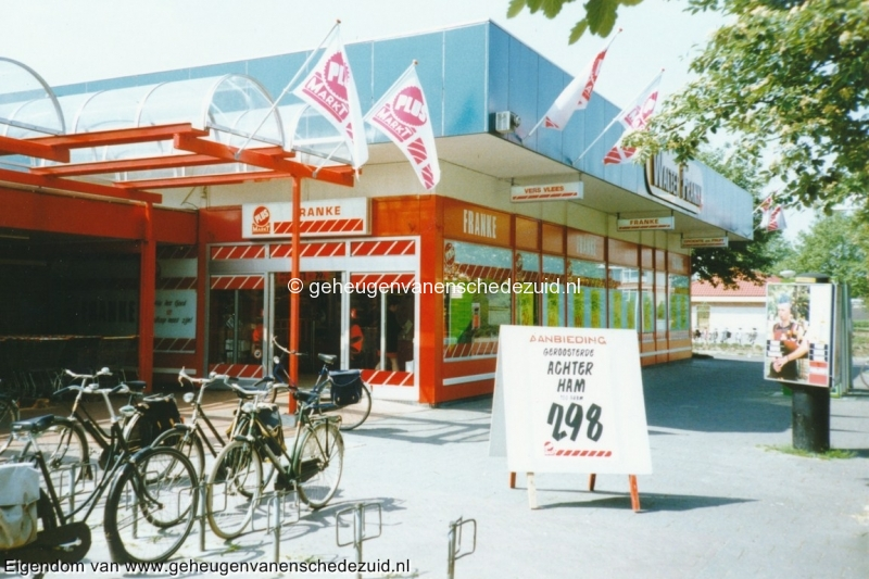 1995, buitenkant Plusmarkt, bron W.F. Franke (4).jpg