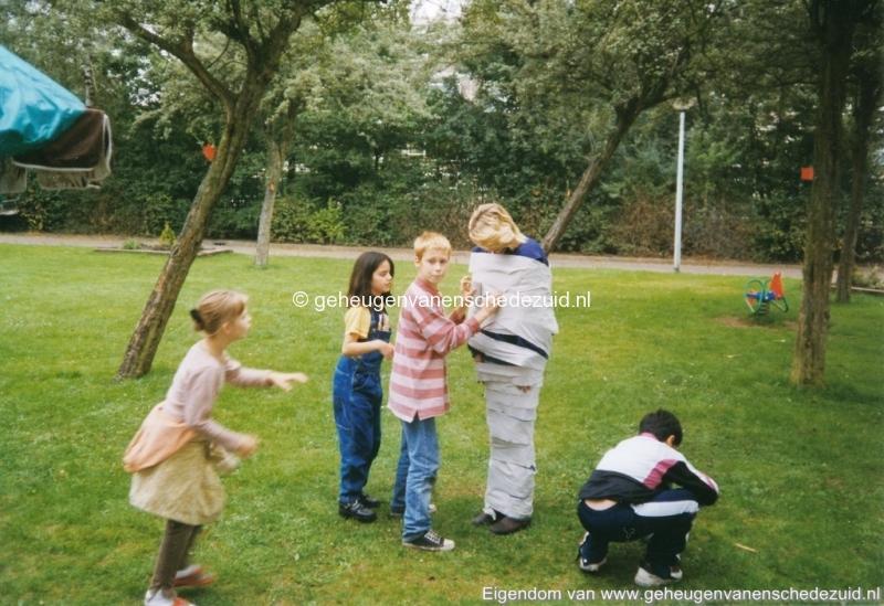 1998 spelletjesmiddag berghuizenbrink bron Ria Perik (4) (small).jpg